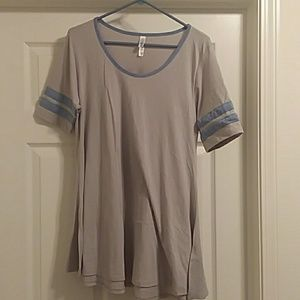 **5 for $25** Gray Perfect Tee